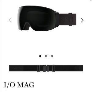 Smith I/o mag goggles blackout